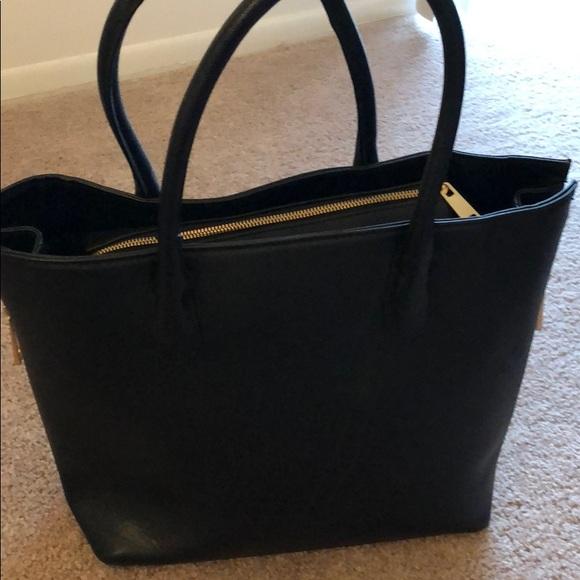 H M Bags   Black Purse With Gold Zipper   Poshmark 25e13a29c4